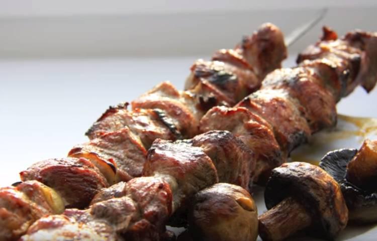 Советский рецепт шашлыка из свинины с уксусом и луком