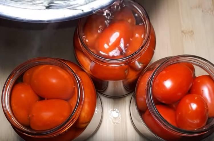 Сладкие маринованные помидоры в литровых банках