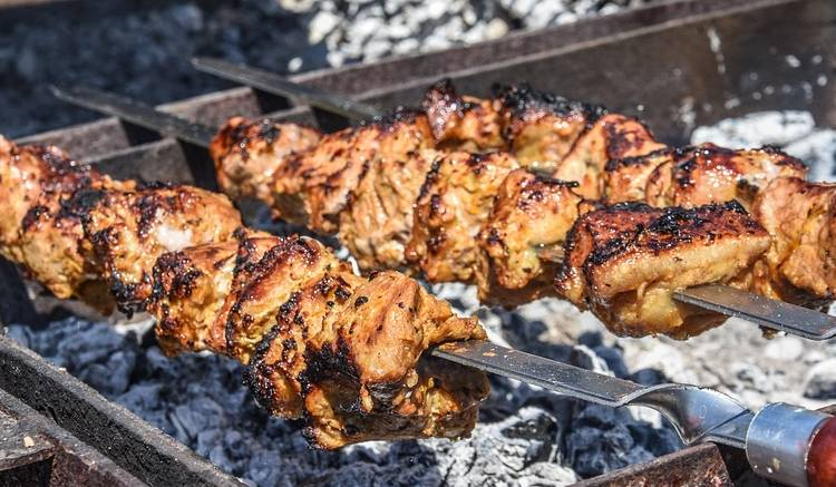 Шашлык из свинины с уксусом и луком