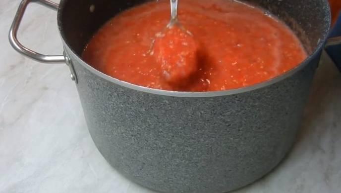 кетчуп из помидор с яблоками и болгарским перцем