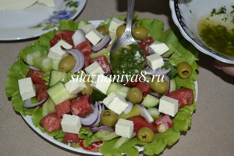 Греческиий салат с сыром брынза