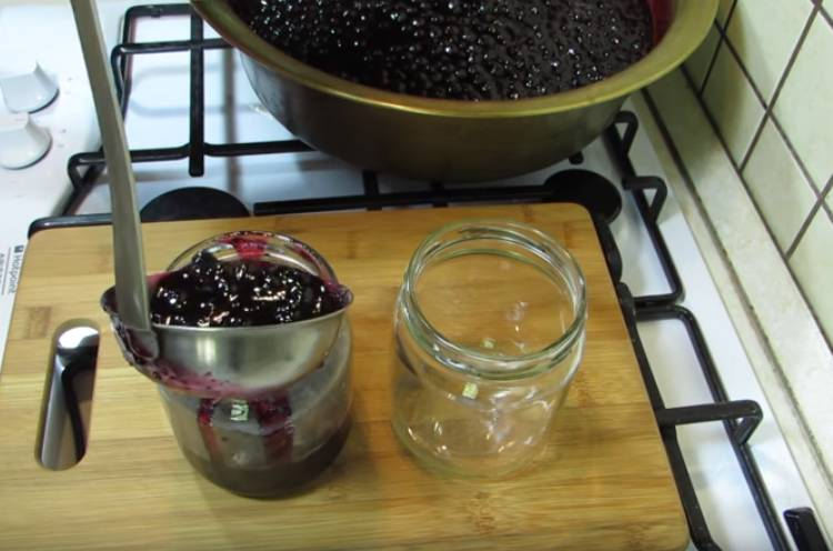 пятиминутка из черной смородины стаканами