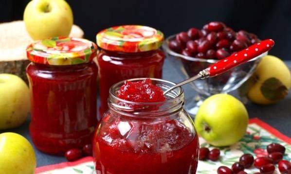 Кизиловое варенье с яблоками на зиму
