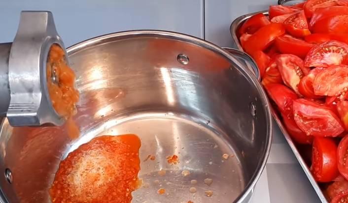 Острый кетчуп из помидоров без уксуса на зиму