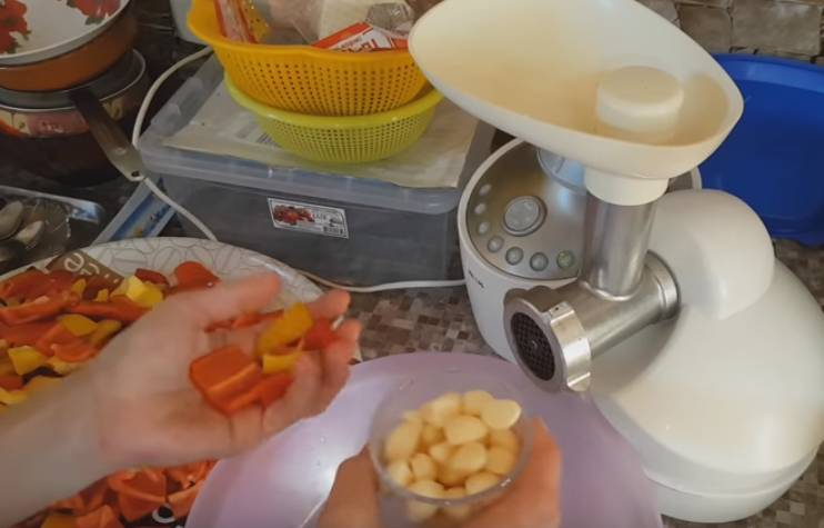 Лечо из баклажанов и болгарского перца
