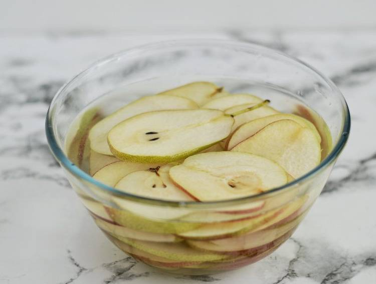 груши в лимонном растворе