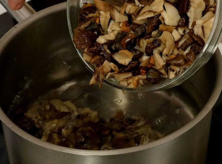 Как варить грибы: сколько варить грибы правильно по времени