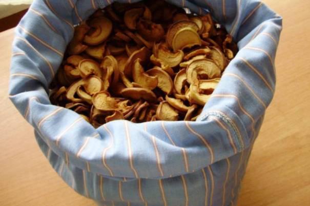 яблоки сушеные в наволочке хранение