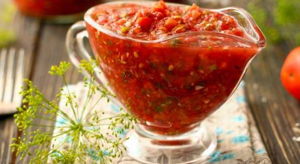 аджика из помидор и чеснока на зиму