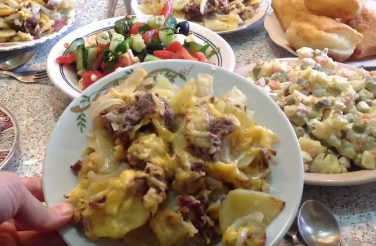 картошка с фаршем и сыром в духовке