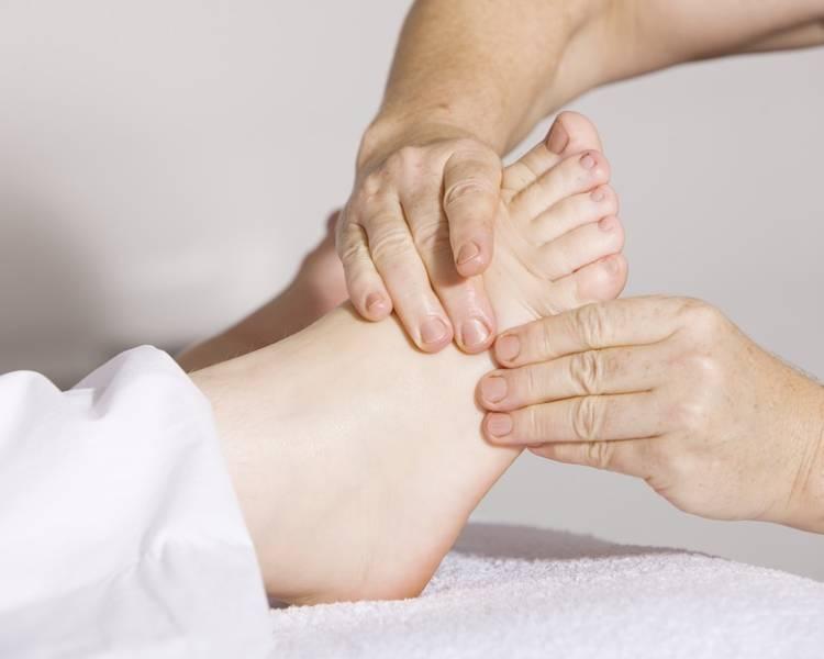 массаж стоп и икроножных мышц