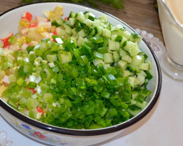 салат с крабовыми палочками кукурузой огурцом