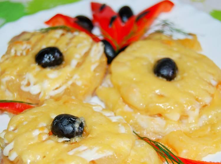 Свинина по-французски с ананасами в духовке