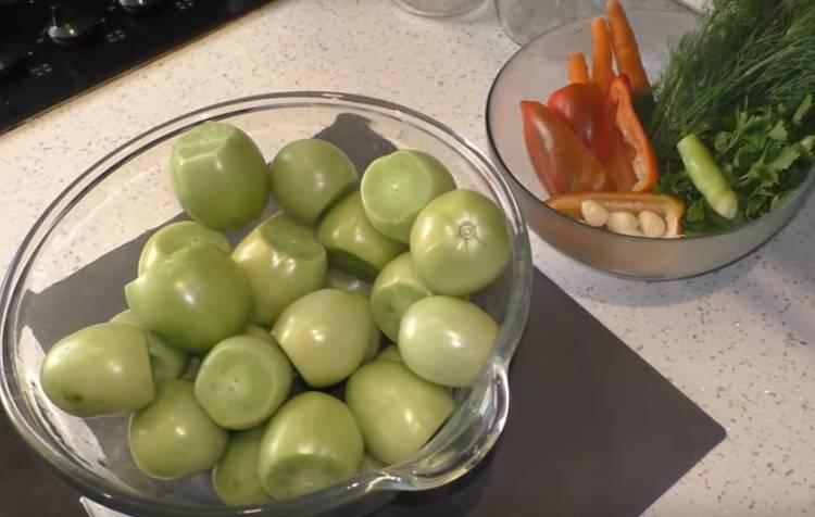 зеленые помидоры в банках на зиму вкусно