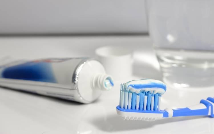 зубная паста от простуды на губе