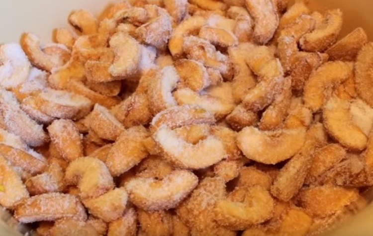 Варенье из айвы с грецкими орехами