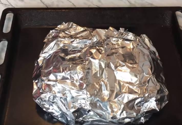 картошку в фольге мундирах