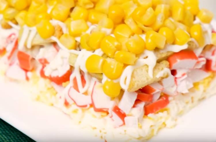 крабовый салат с сухариками без риса