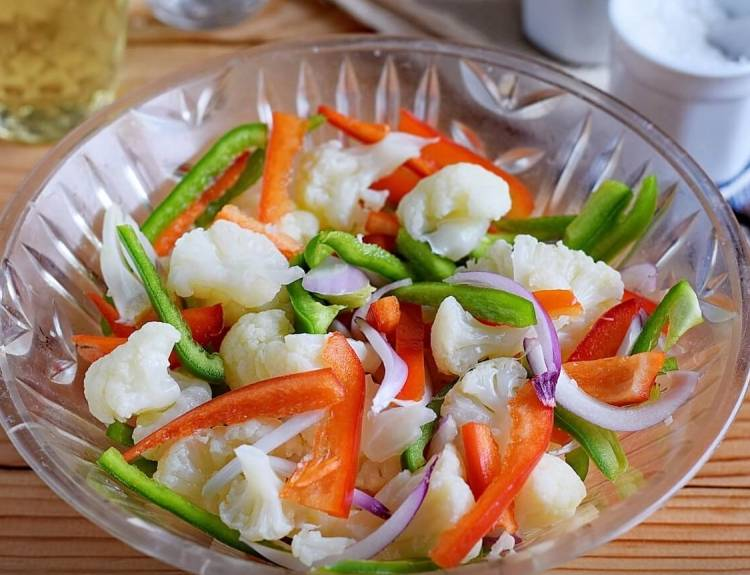 Салат из цветной капусты на зиму с болгарским перцем