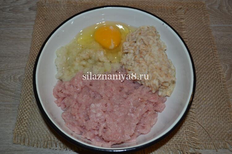 Котлеты из фарша свинины на сковороде