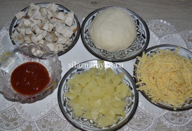 пицца с ананасом и курицей