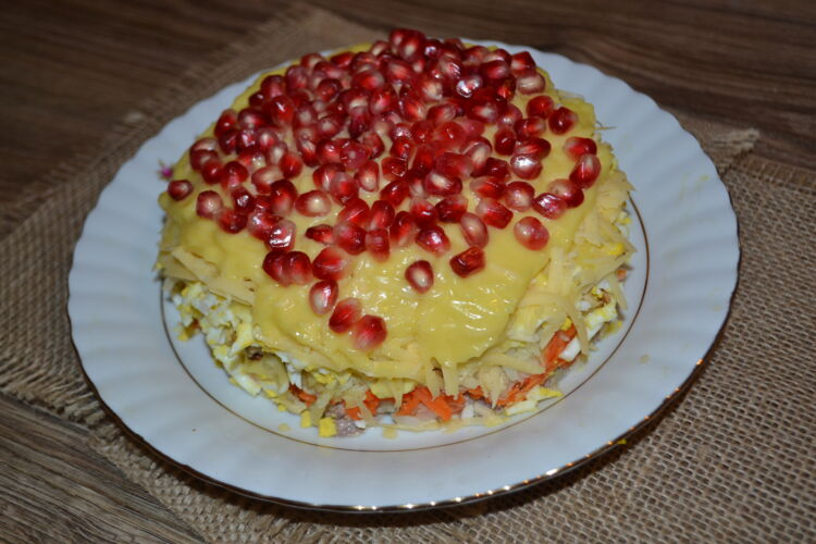 салат красная шапочка с говядиной и грантом