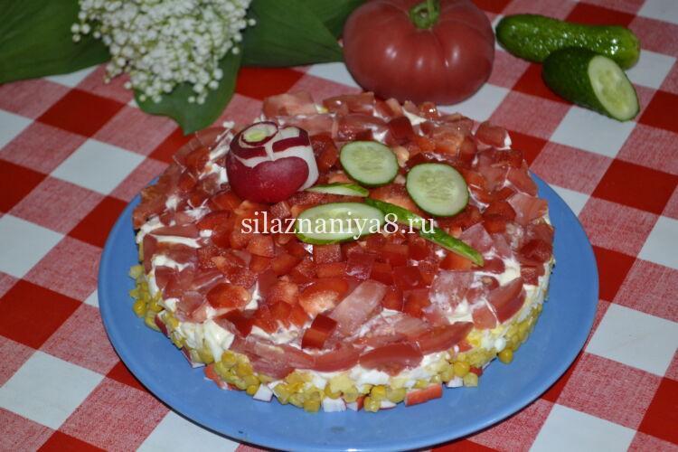 салат красное море с крабовыми палочками и помидорами