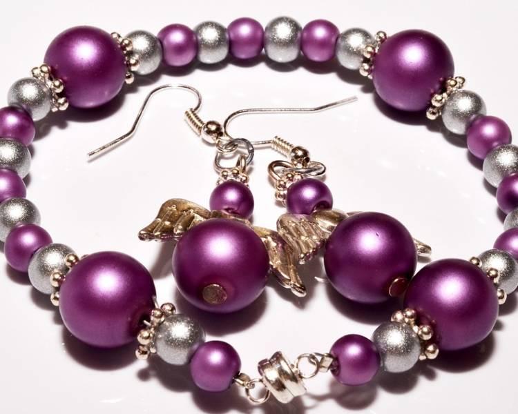 бусы и серьги фиолетовые