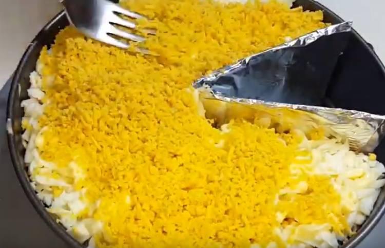 салат мышиная норка с грибами