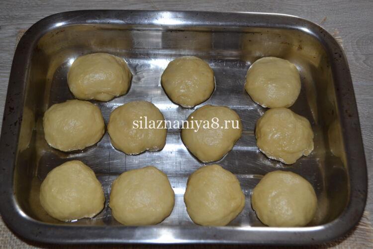 Рецепт дрожжевого теста на сдобные булочки в духовке
