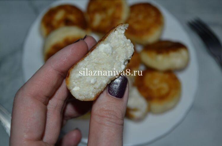 сырники без яиц и муки с манкой на сковороде