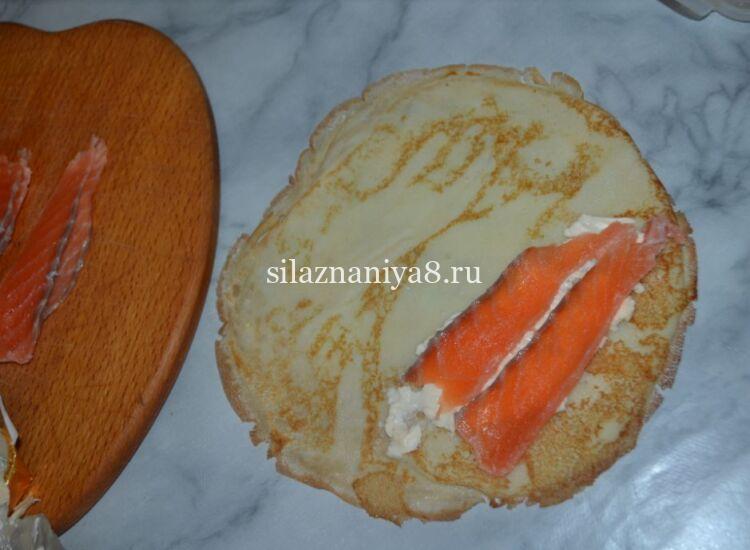 Блины с семгой и сливочным сыром