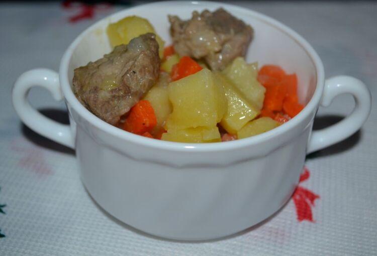 картошка с мясом в казане жаркое