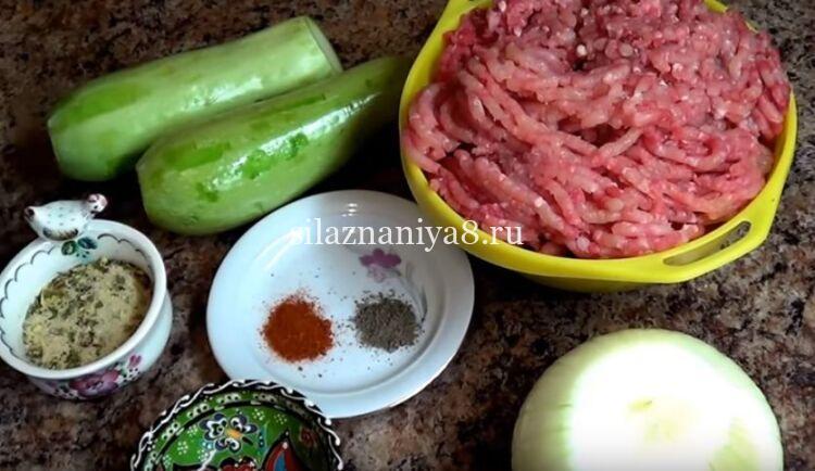котлеты в духовке из индейки с кабачком