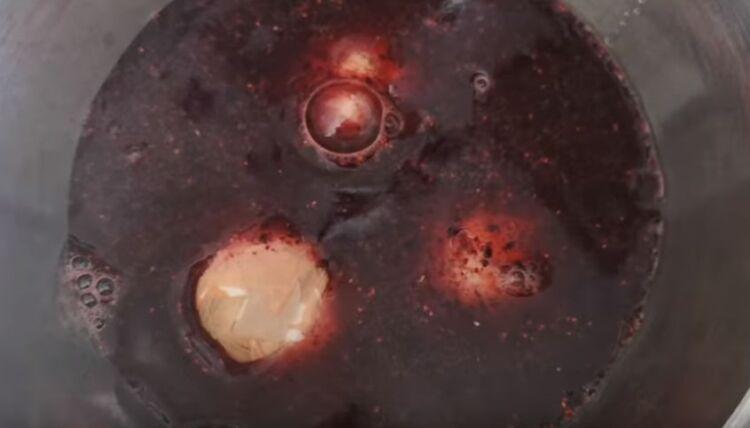 Как покрасить мраморные яйца на Пасху без зеленки