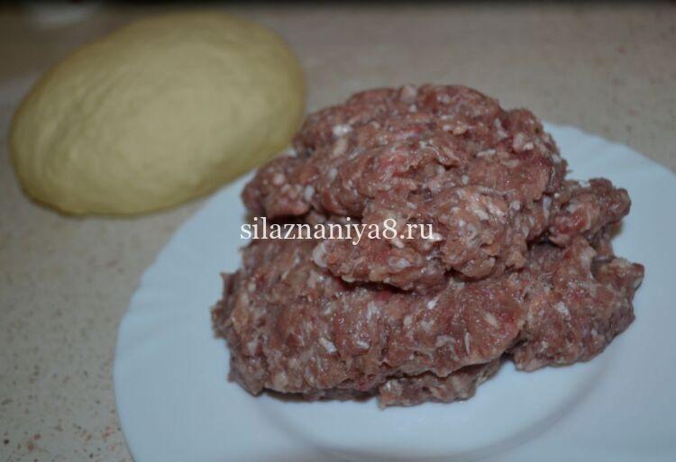 Как приготовить фарш из говядины для домашних пельменей сочный и вкусный
