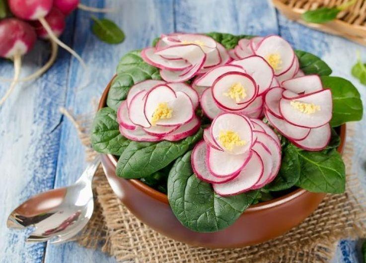 салат фиалки на 8 марта