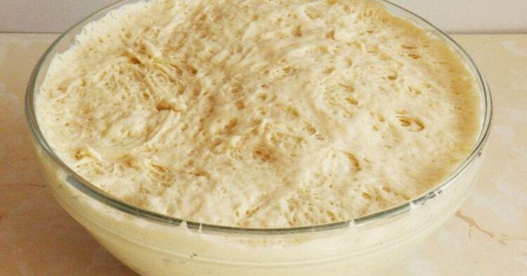 тесто на воде и сухих дрожжах для пирожков