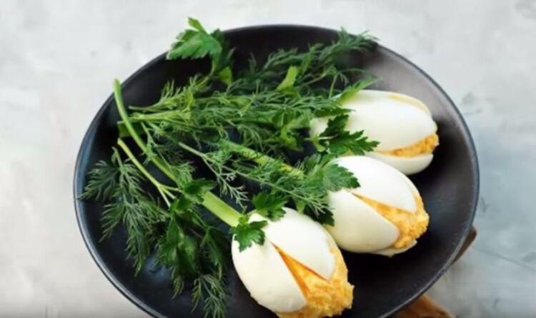 тюльпаны из яиц