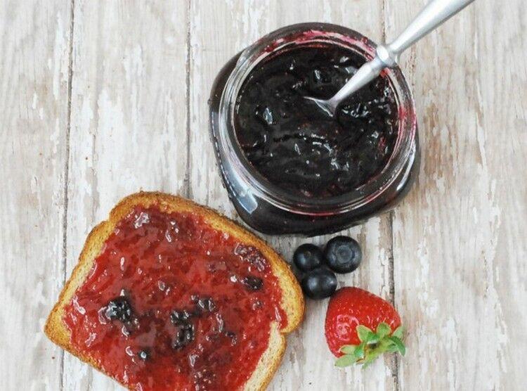 Рецепт варенья из черники с клубникой