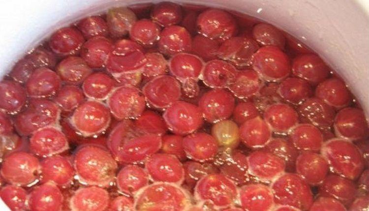 варенье из крыжовника с целыми ягодами