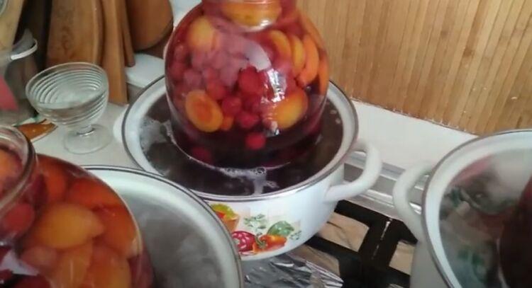 вишнево абрикосовый компот на зиму