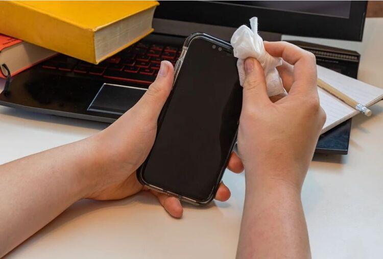 дезинфекция мобильного телефона