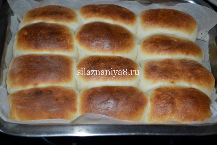 Пирожки с яблоками в духовке из дрожжевого теста на кефире