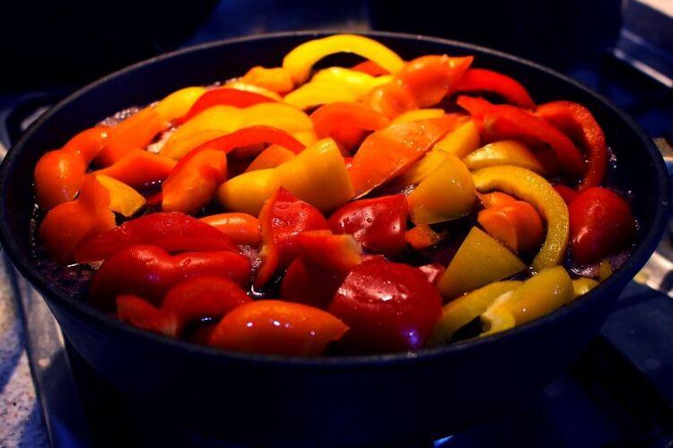 Вкусное лечо из помидор и перца на зиму