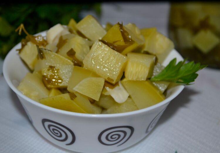 Кабачки с чесноком и петрушкой на зиму кусочками