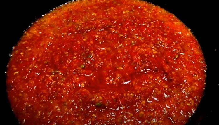 аджика из кабачков на зиму с томатной пастой