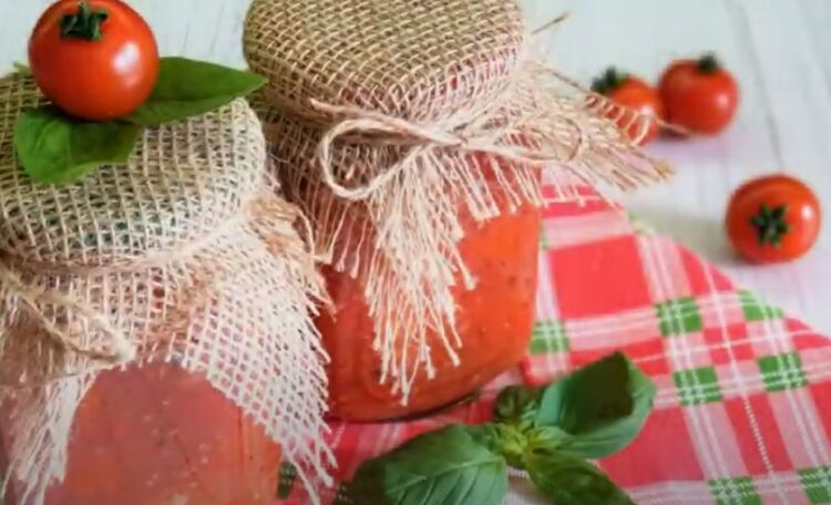Помидоры черри в собственном соку с томатной пастой