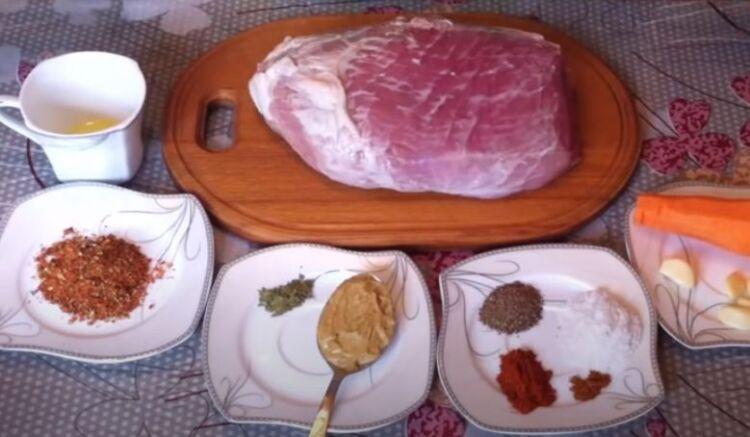буженина из свинины с чесноком и морковкой
