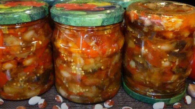 кубанский салат с баклажанами и фасолью